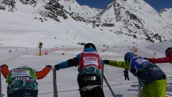 EXCELENTES RESULTADOS DE LOS RIDERS DEL CAEI EN EL CTO. NACIONAL DE ANDORRA DE SNOWBOARDERCROSS