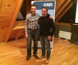 May Peus con Josep Mª Bargalló tras ser nombrado socio honorífico del CAEI