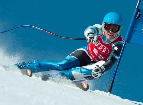 Resultados muy esperanzadores durante el verano para esquiadores de elite del CAEI.